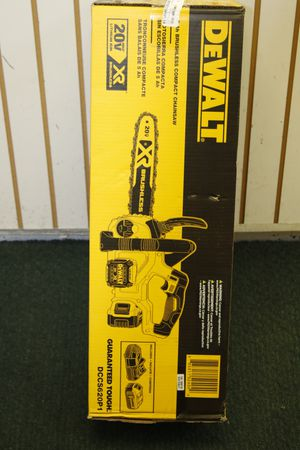 DEWALT 20V MAX 5.0 Ah Li-Ion 12 in. Compact Chainsaw Kit - DCCS620P1 for Sale in Miami, FL