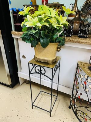 Beautiful flowers arrangement clean like new large ceramics vase smooth and shiny with sturdy solid plant stand everything for $60 for Sale in Lake Elsinore, CA