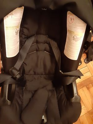 Doona stroller car seat with rain cover and sun shield for Sale in The Bronx, NY