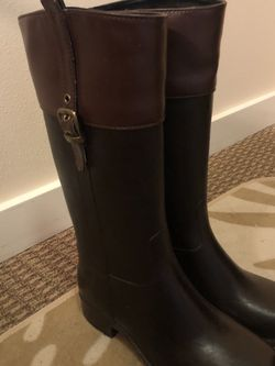 Rain boots - chestnut brown sized 7.5 for Sale in Portland,  OR