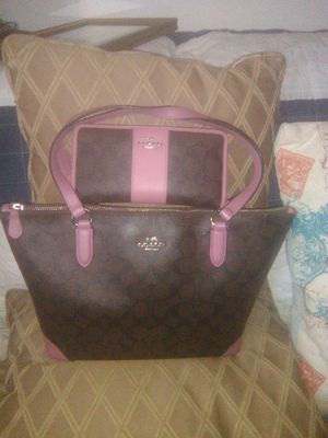 Coach purse and matching wallet all leather for Sale in Wichita, KS