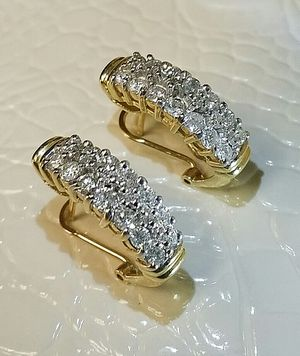 2 carat diamond earrings for Sale in Atlanta, GA
