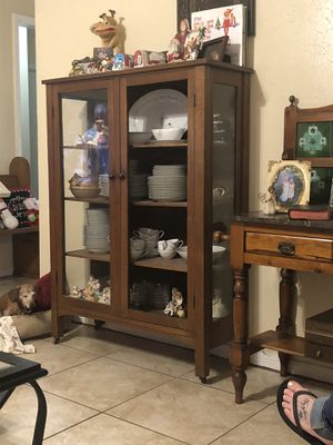 Antique china cabinet for Sale in Houston, TX