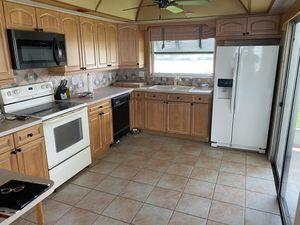 KichenCraft full kitchen for sale for Sale in Redington Shores, FL