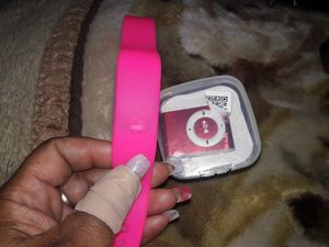 I have different colors Mp3 player with fitbit watch good for knowing you have a call or message while playing include headphones for Sale in Houston, TX