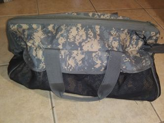 Military Duffle Bag Traveling Bag for Sale in Haines City,  FL