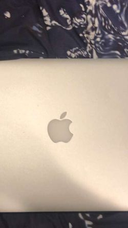 Macbook air Perfect Condition for Sale in Hicksville,  NY
