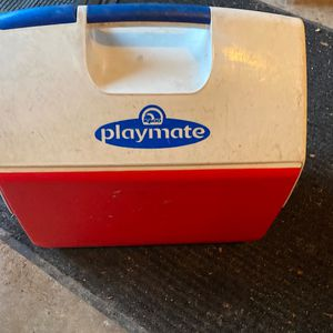 Playmate Lunch Box/Cooler Good Condition for Sale in McHenry, IL