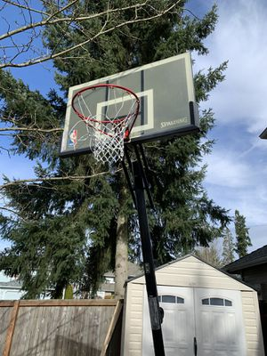 PENDING PICK UP FREE Spaulding Adjustable Basketball Hoop for Sale in Bothell, WA