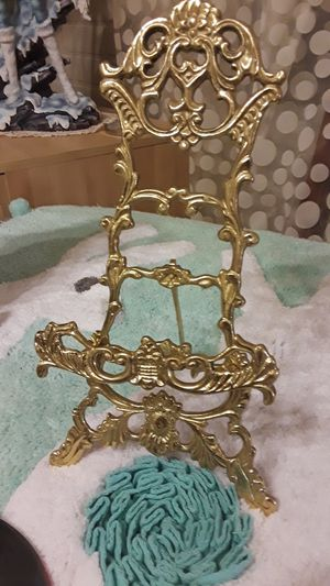 Solid brass easil with mirror for Sale in Pittsburgh, PA