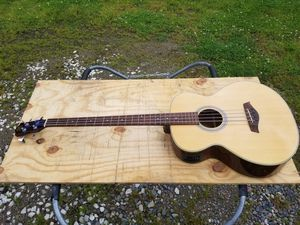 Hondo Acoustic Bass Guitar for Sale in Perrysburg, OH