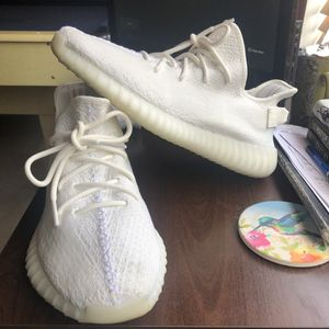 YEEZY CREAM s10.5 for Sale in Daly City, CA