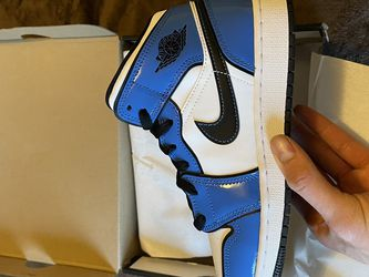 "Jordan Retro 1 Mid "" Signal Blue"" for Sale in Portland,  OR"