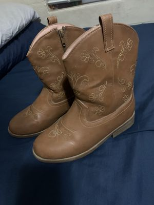 Girls boots size 3 for Sale in Ceres, CA