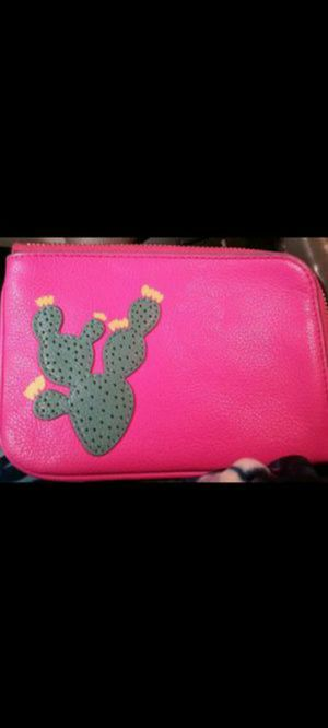NEW Pink Fossil Wristlet/Wallet for Sale in Cleveland, TN