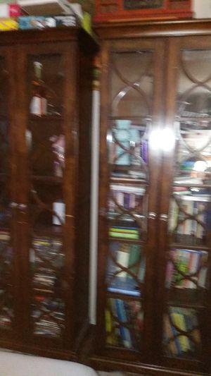 Brown bookshelf for Sale in Riverside, CA