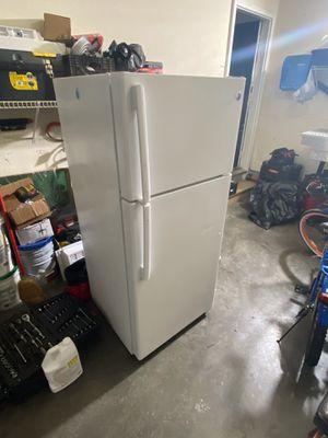 GE Refrigerator for Sale in La Vergne, TN