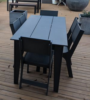Outdoor table and chairs for Sale in Seattle, WA