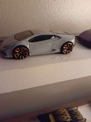 Lamborghini huracan hotwheel loose for Sale in New Albany, IN