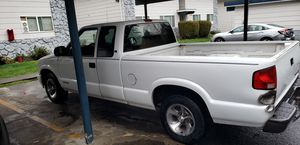 2000 CHEVY S10 EXSTRA CAB 4CYL 5SPD for Sale in Portland, OR