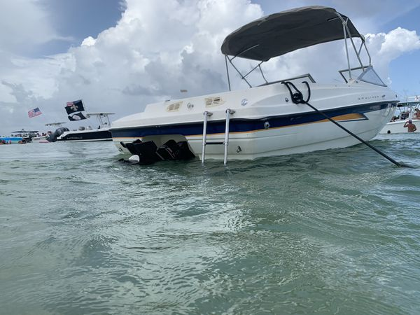 Bayliner 225 with trailer