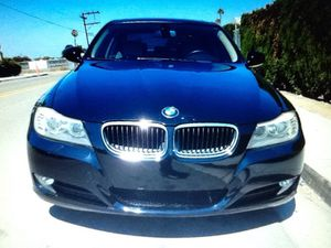 New tires 2009 BMw 3 series clean for Sale in Cleveland, OH