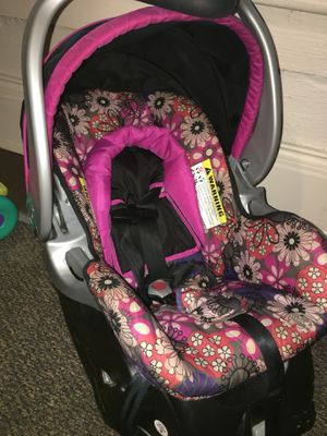 Baby car seat for Sale in Macon, GA