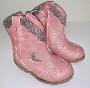 Cat & Jack Pink Infant boots sz 5 for Sale in Hialeah, FL