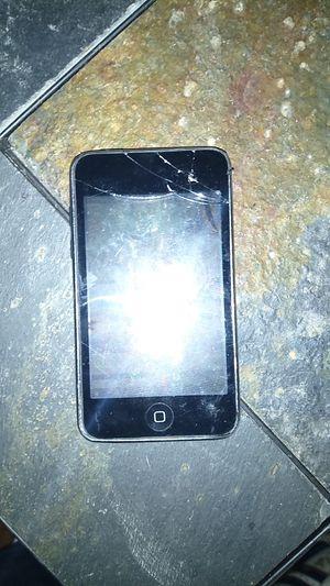 Broken iPod touch 4th gen for Sale in San Antonio, TX