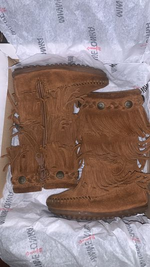 Toddler girl Minnetonka Fringe Boots size 7c for Sale in Philadelphia, PA