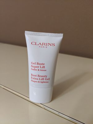 Clarins sample - skincare samples - makeup samples - clarins deluxe samples - brand new for Sale in San Diego, CA
