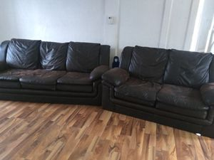 Soft Leather Big Body Couches for Sale in Waterloo, IA