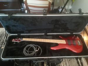 New Ibanez SDGR SR300M Bass Guitar with SKB hard case. for Sale in Riverside, CA