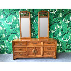 Oriental Style Bedroom Set for Sale in Okeechobee, FL