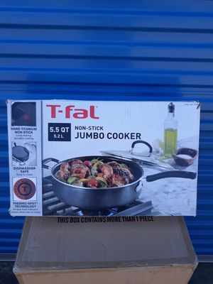 T-fal Specialty Nonstick Dishwasher Safe Oven Safe Jumbo Cooker Saute Pan with Glass Lid Cookware, 5.5-Quart, Black for Sale in Murphy, TX