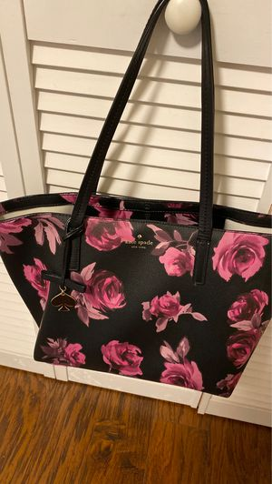 Kate spade purse excellent condition medium size for Sale in Gervais, OR