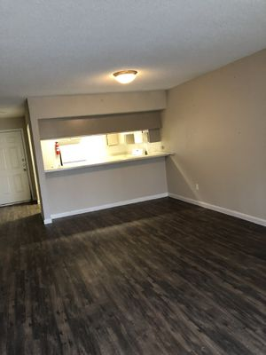 Immediate move in for a 1 bed 1 bath $589 your first month !!! for Sale in Bellaire, TX