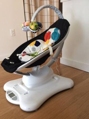 4moms Mamaroo Baby Swing in new condition for Sale in Fairfax, VA