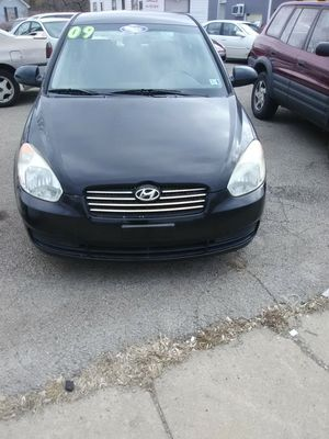 09 Hyundai Accent for Sale in Youngstown, OH