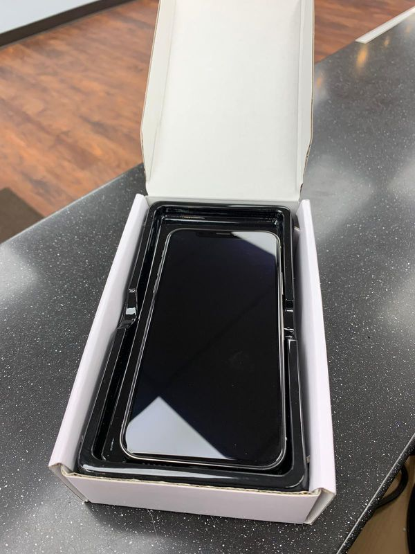 iPhone X - 64GB, Factory Unlocked for AT&T, T-Mobile, Metro PCS, Sprint, Cricket, Lyca, Ultra, International + warranty
