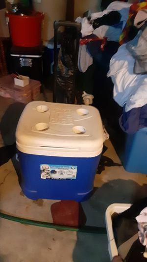 Cooler like new for Sale in Florissant, MO