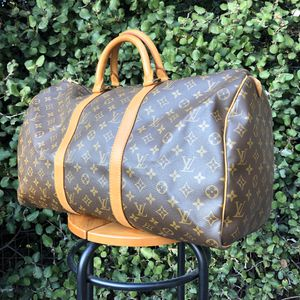 Authentic Louis Vuitton LV Keepall 50 Duffle Bag Monogram for Sale in San Diego, CA