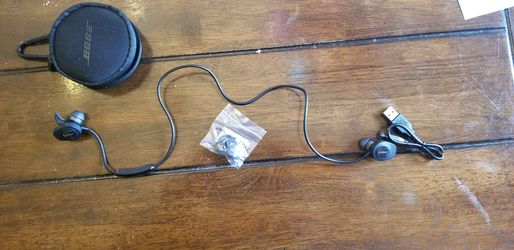 Bose SoundSport, Wireless Earbuds, (Sweatproof Bluetooth Headphones for Running and Sports), Black for Sale in Fairfax,  VA