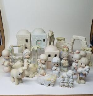 Precious Moments Miniature Nativity Set (Read Below) for Sale in Phoenix, AZ