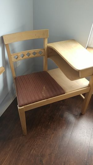 Kids desk for Sale in Burlington, WA