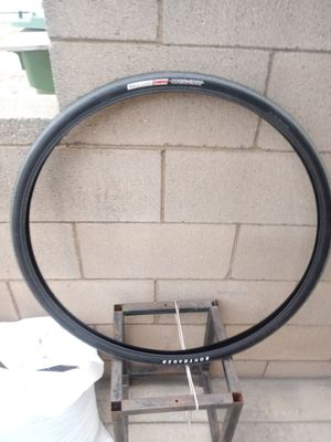 One bike tire size 700x32c for Sale in East Los Angeles, CA