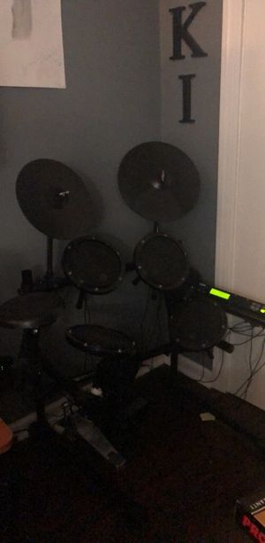 Alesis Dm5 Electric drum-set with module for Sale in Nashville, TN