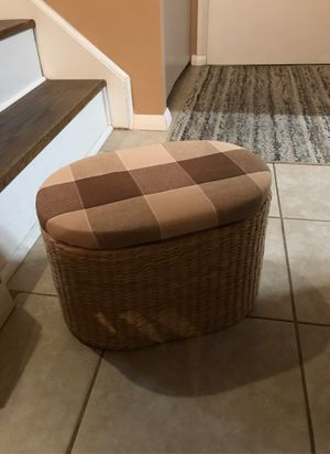 Small stool for Sale in Eastlake, OH