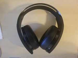 PS4 wireless Headset with Mic playstation 4 sony platinum, EXCELLENT CONDITION for Sale in Phoenix, AZ