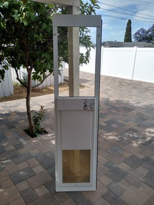 Electronic pet door High Tech PX-2 for Sale in Chula Vista, CA